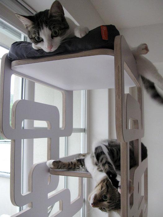 der kratzbaum sebastian modern in schwarz bunte. Black Bedroom Furniture Sets. Home Design Ideas